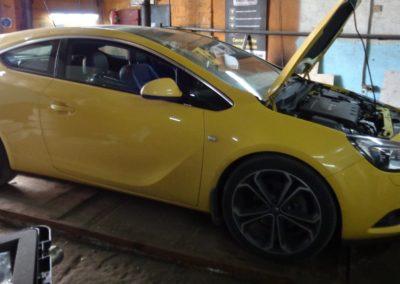 Opel Astra J 2cdti Чип тюнинг, удаление сажевого и егр